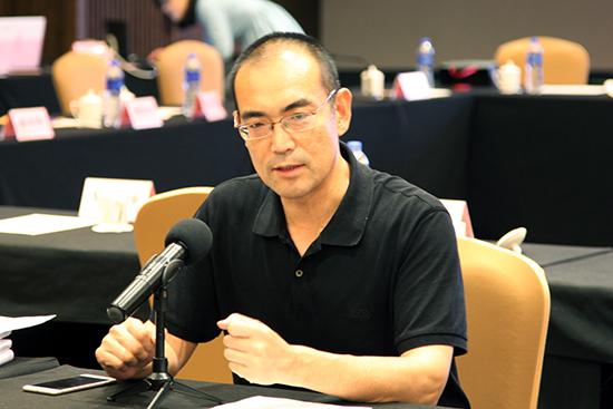 贾梦玮为江苏中青年作家高级研修班、青年作家读书班作开班动员讲话