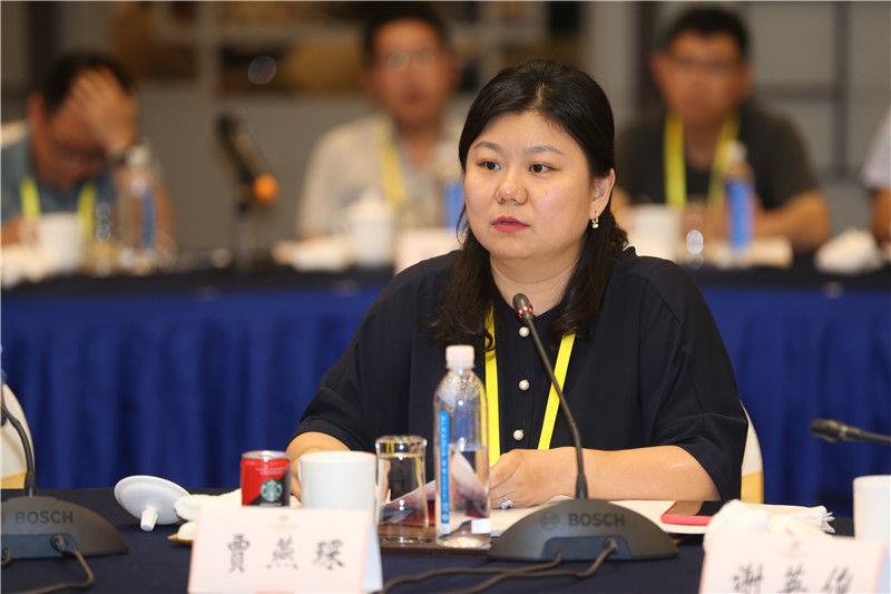 主持人,江苏省技术产权交易市场总经理贾燕琛3.jpg